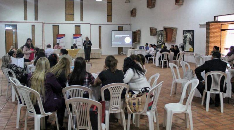 Central desarrolla encuentro científico con supervisores y directores del sector educativo
