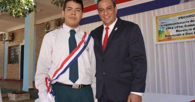 El gobernador del departamento Central, Hugo Javier González, participó del acto de graduación de los alumnos del Centro Educativo Departamental Municipal Virgen del Rosario