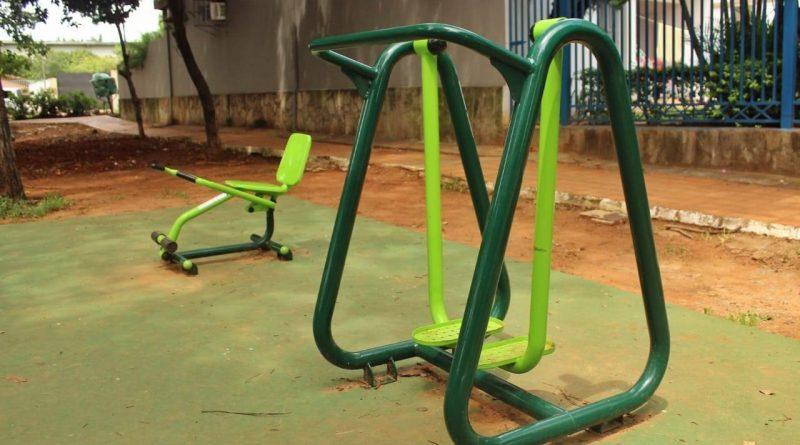 Mantenimiento de parque, zona de juegos y equipos de gimnasia barrio Pitiantuta
