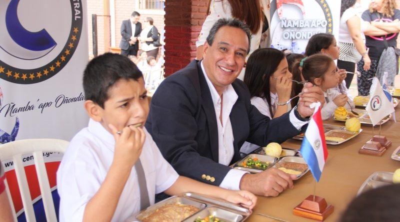 """La Gobernación del Departamento Central esta mañana realizó el lanzamiento del Servicio de Almuerzo Escolar en la Escuela Básica Nº 3652 """"San José Obrero"""""""