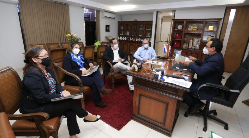El Gobernador Hugo Javier González recibió a representantes de USAID Paraguay