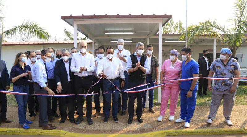 El Gobernador Hugo Javier González acompaña la inauguración del Pabellón de Contingencia para pacientes con COVID-19.