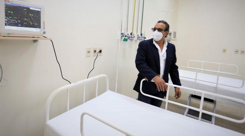 INAUGURACIÓN. Con la presencia del jefe de Estado, Mario Abdo Benítez, esta mañana, 13 de abril, habilitamos un pabellón de contingencia, para pacientes con COVID-19, en el Centro de Salud de Guarambaré
