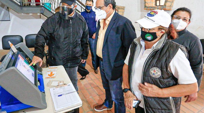 URNAS ELECTRÓNICAS. En la fecha, 10 de junio, tendrá lugar un simulacro de votación con urnas electrónicas en la Gobernación del Departamento Central.